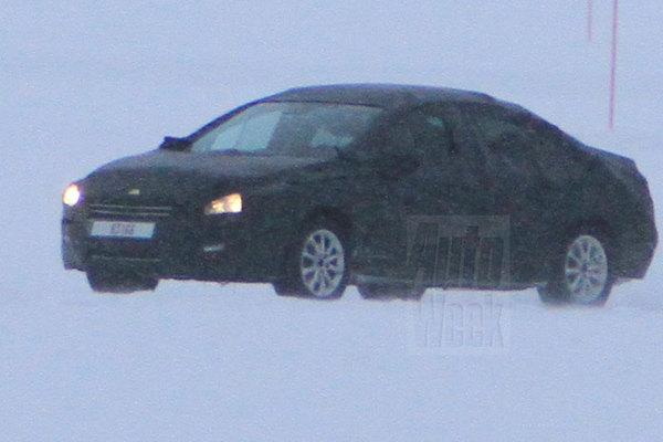 Future Peugeot 508: 1ères prises!