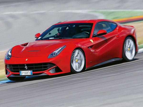 Ring Folies : la Ferrari F12 berlinetta en 7'33''