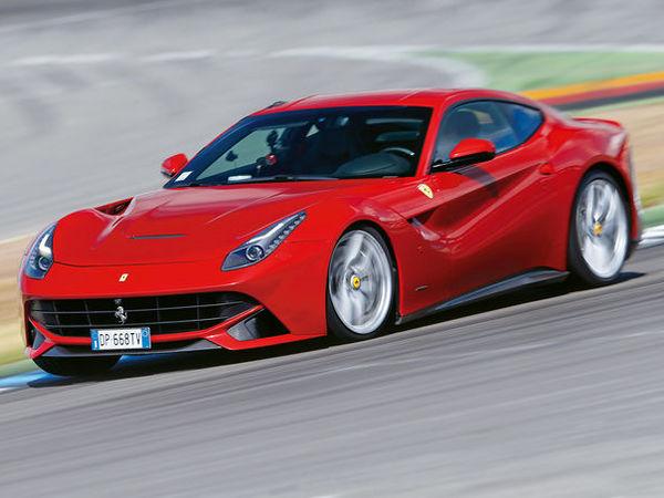 Ring Folies : la Ferrari F12 berlinetta en 7'33''