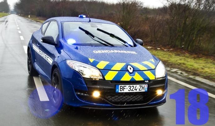 caradrier de l 39 avent pourquoi les voitures de gendarmerie sont bleues. Black Bedroom Furniture Sets. Home Design Ideas