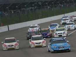 (Echos des paddocks #38): 1ère victoire de la Chevrolet Cruze en BTCC, Prodrive, boycott en GT1 World?