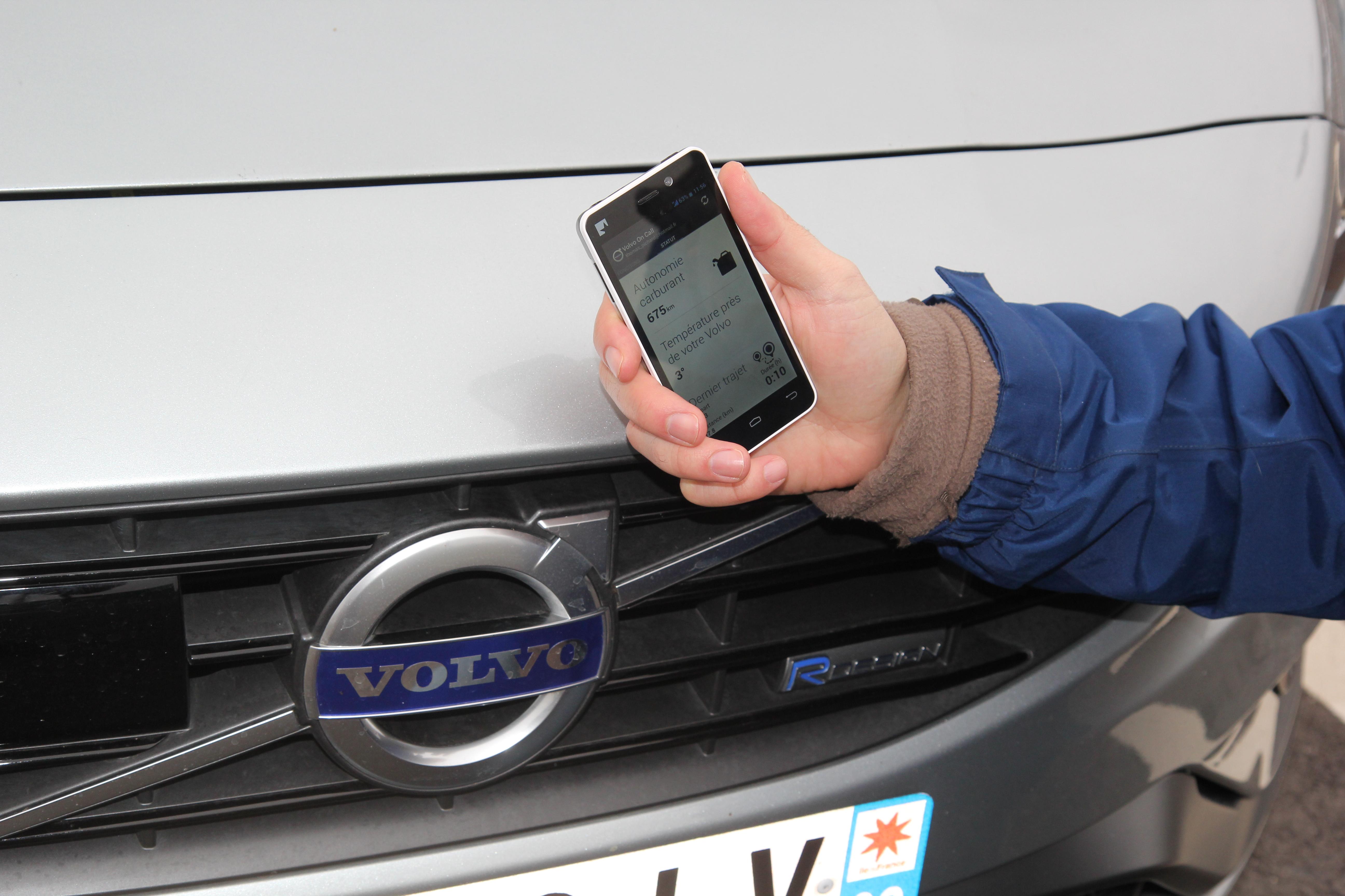 Connectée Système Vidéo La Voiture CallLes On Débuts De Volvo Nn0wm8