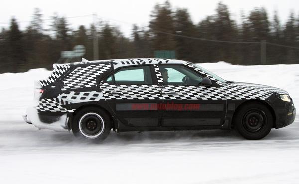 Spyshot - Saab 9-5 SportCombi : têtue