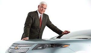 """L'ex patron de General Motors compare les fans de Tesla à des """"membres d'un culte religieux"""""""