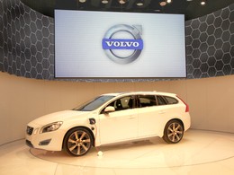 Volvo V60 Plug-in Hybrid en direct de Genève 2011