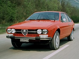 (Minuit chicanes) Toute une journée avec l'Alfa Romeo Giulietta