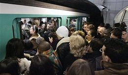 Trajets domicile-travail en Ile-de-France : vous êtes stressés à cause des transports en commun