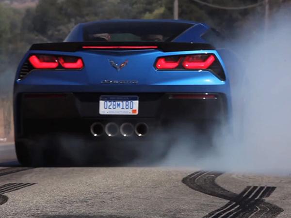 [vidéo] La Corvette C7 Stingray est-elle une vraie burn machine ?