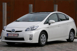 Toyota rappelle 436000 véhicules hybrides dont 7573 Prius III en France
