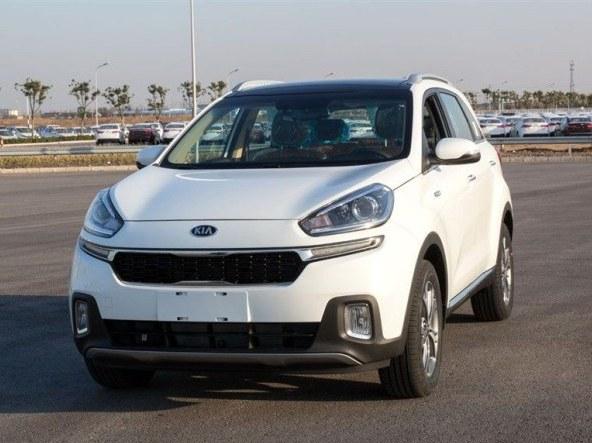 Le futur Kia KX3 débusqué en Chine