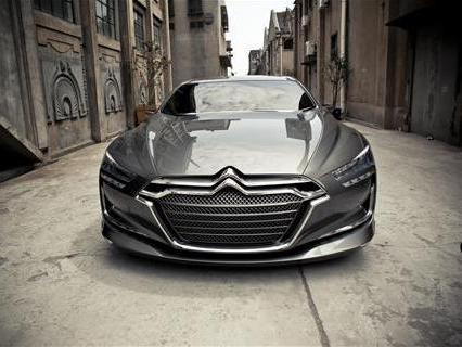 Quand Auto Bild compare la Citroën Metropolis à une Mercedes Classe S