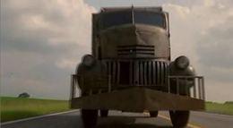 [Vidéo] Le diable se cache dans ce camion de glaces