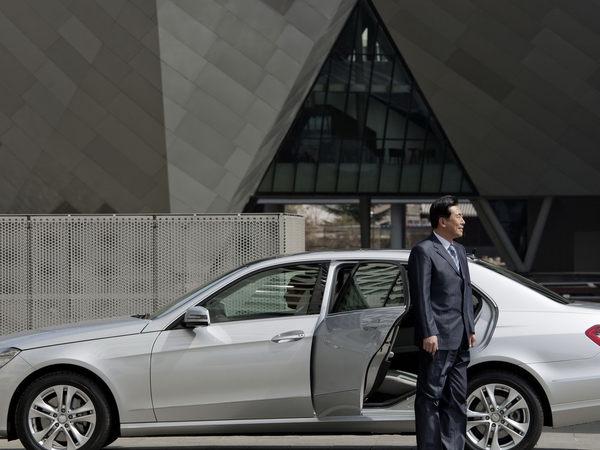 Pékin 2010 : la Mercedes Classe E rallongée est officielle