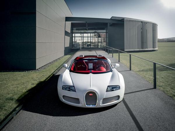 Bugatti a encore huit Veyron neuves à écouler