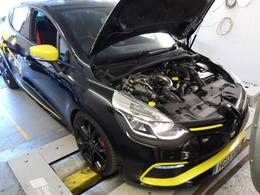 Clio 4 RS : K-tec Racing lui colle des chevaux