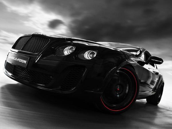 Bentley Contiental Ultrasports 702 par Wheelsandmore : noire, très noire