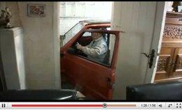 [vidéo] : Eugène, 59 ans, sa Fiat Panda, son garage et voilà