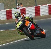 Moto GP - Retraite de Stoner: Le HRC se lance à la recherche du remplaçant sans exclure Rossi !