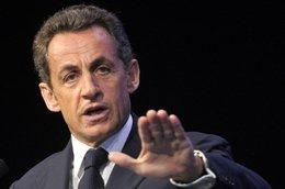 """Midi Pile - Sarkozy hier soir : """"La stratégie de Renault, je ne l'accepte pas"""""""