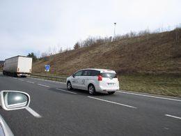En route vers Genève : les Peugeot Eco Cup, en mode escargot pour l'éco-conduite...
