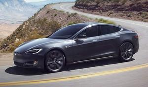 Une Tesla Model S explose dans un parking