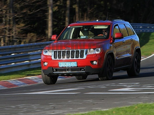 Spyshot : le prochain Jeep Grand Cherokee sur la Nordschleife