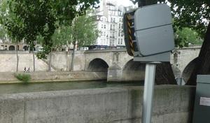 """Radars posés par les maires: M.Darmanin """"y travaille au plan législatif"""""""