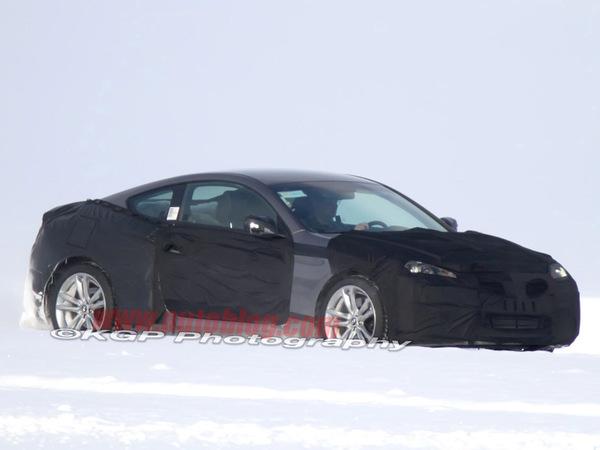 Spyshot : restylage à venir pour le coupé Hyundai Genesis
