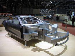 En direct du Salon de Genève : le châssis en aluminium sophistiqué de la Fisker Karma