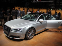 Vidéo en direct du salon de Francfort 2013 - Audi A8 restylée : dans la matrice