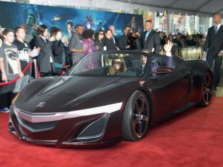 Le concept Acura NSX roadster se pavane à Hollywood