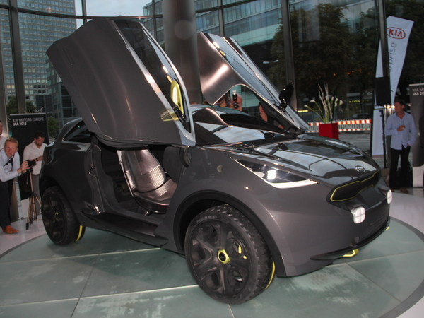 Vidéo en direct du salon de Francfort  2013 - Kia Niro Concept : le Captur de Kia