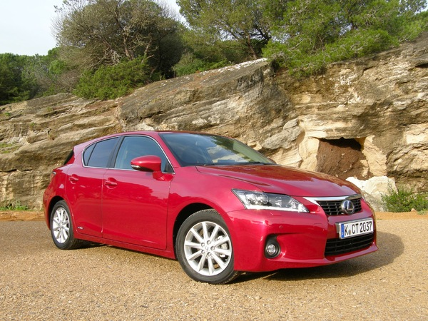 essai lexus ct 200h full hybrid qui n avance pas. Black Bedroom Furniture Sets. Home Design Ideas