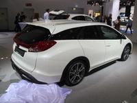 Vidéo en direct du salon de Francfort  2013 - Honda Civic Tourer : une sacrée charge