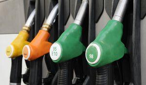 Carburants: faites-le plein avant lundi et la hausse des taxes!