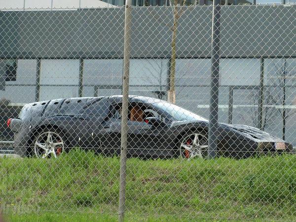 """Ferrari - 1er proto de la """"future Enzo"""" surpris!"""