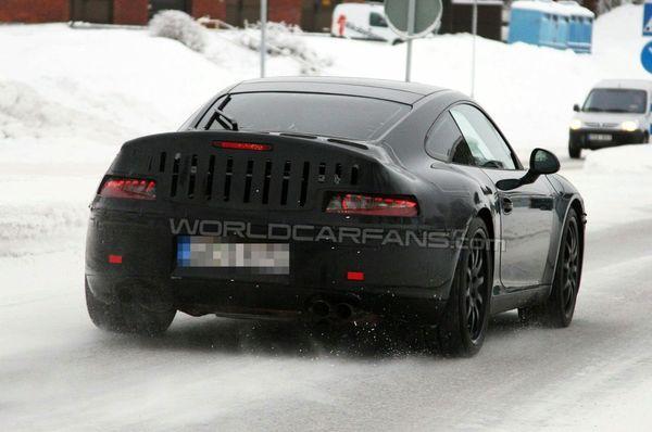 Spyshot : la prochaine Porsche 911 montre son postérieur à LED