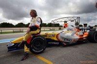 Jacques Laffite teste une Renault F1 R27