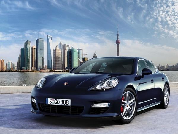Porsche Panamera : élue voiture de l'année 2009 par Playboy