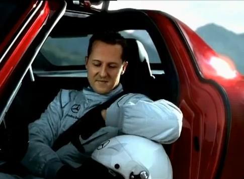 [Vidéo] L'homme qui envoyait la Mercedes SLS AMG au plafond n'était autre que Michael Schumacher