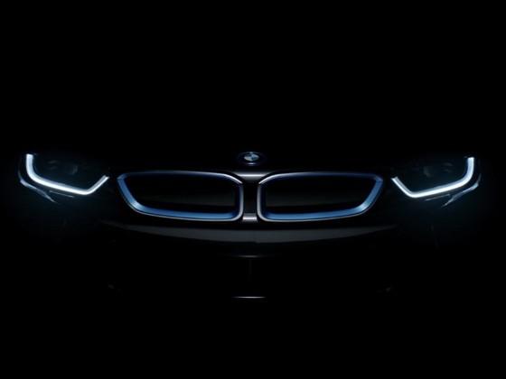 Teasing : la BMW i8 dans l'ombre