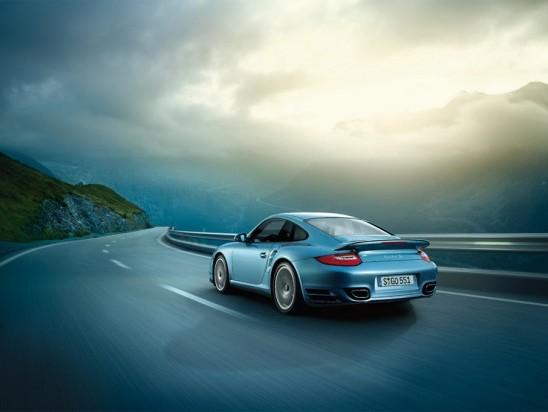 [vidéo] Porsche 911 vs Nissan GTR : à n'en plus finir