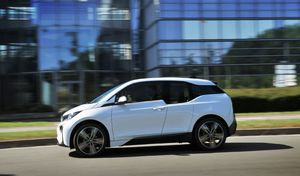 Électriques - BMWmécontent des nouvelles règles du bonus