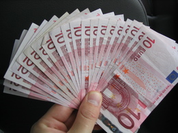 Renault confirme le versement de 250.000 euros à l'informateur mystère