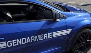 Insolite - En panne avec une voiture volée, un jeune conducteur appelle… les gendarmes