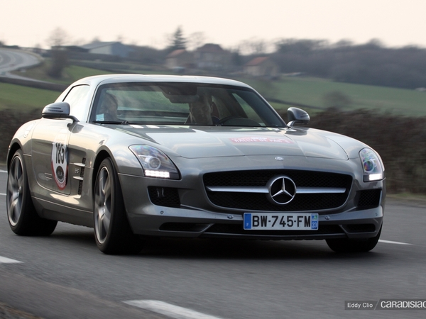 Photos du jour : Mercedes SLS AMG (Rallye de Paris)