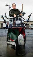A 74 ans, il va traverser l'Amérique avec une poussette alimentée par énergie solaire