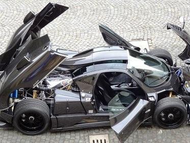Une Pagani pour Lewis Hamilton?