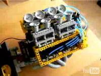 Un V8... en Lego !