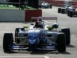 (Echos des paddocks #40) Vergne toujours leader en British F3, Courney revient sur Whincup en V8 SC